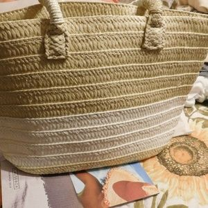 Altru Straw Tote with tassel and dust bag